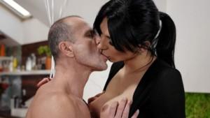 [Shemale] Dirty Delivery Voy TSVirtualLoves Bailey Paris vr porn video vrporn.com virtual reality